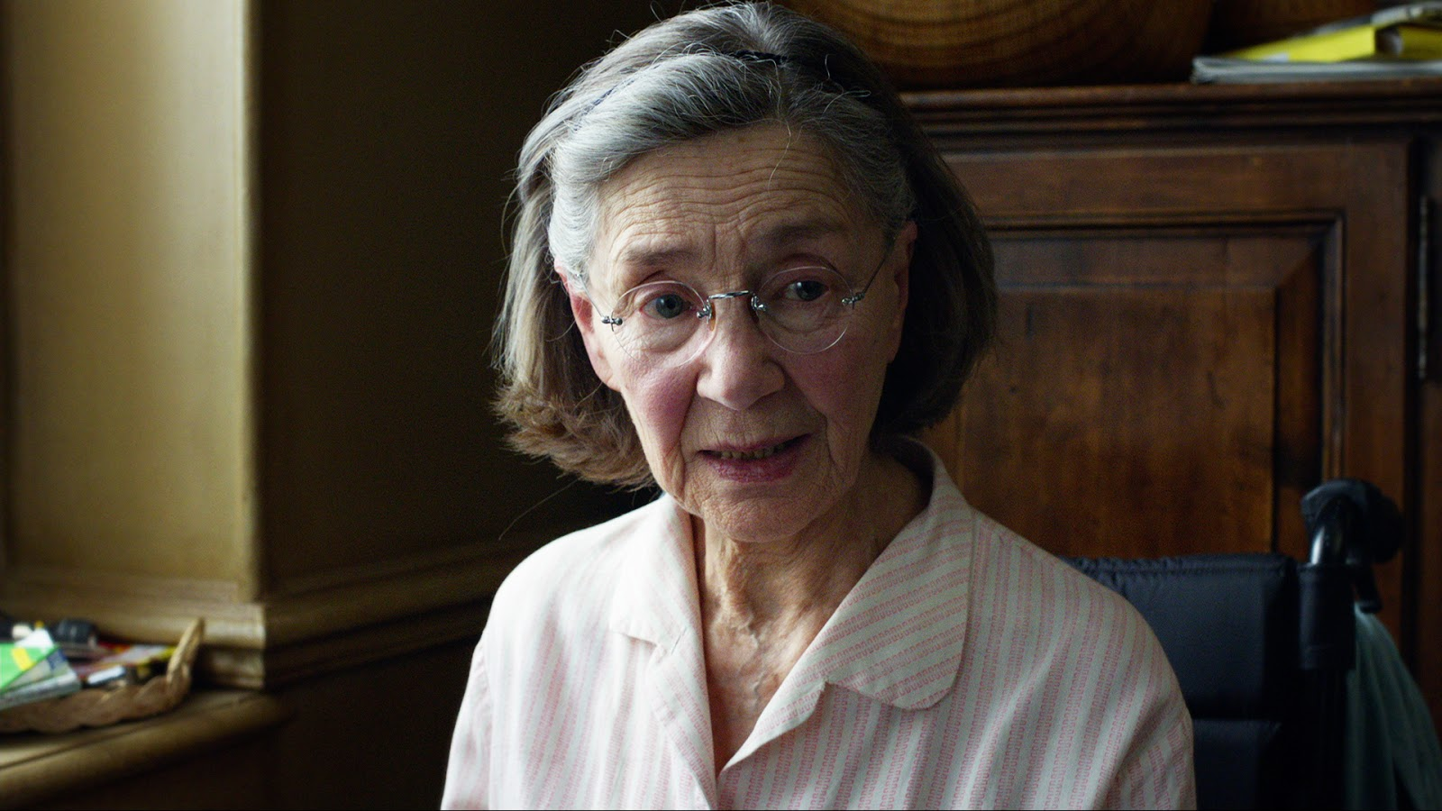 Emmanuelle-Riva-in-Amour