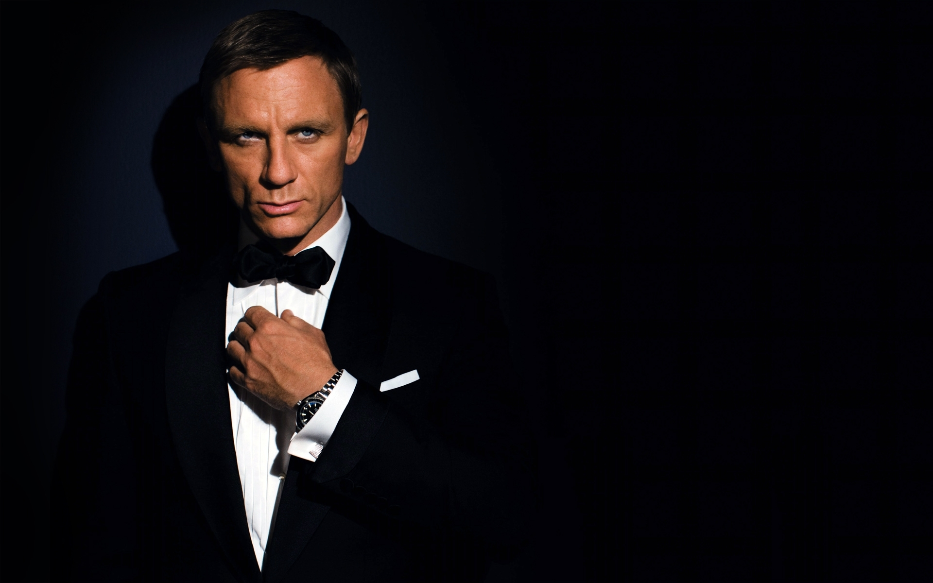 Bond Wallpaper